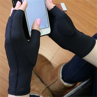 Compression Arthritis Gloves Reduce the Symptoms of Arthritic Hands